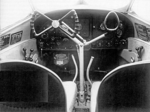 Flight Manual Pilots Notes for the De Havilland DH90 Dragonfly