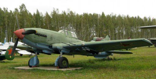Flight Manual for the Ilyushin IL-10