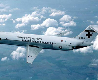 Flight Manual for the McDonnell Douglas C-9 Skytrain 2