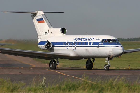Flight Manual for the Yakovlev YAK-40