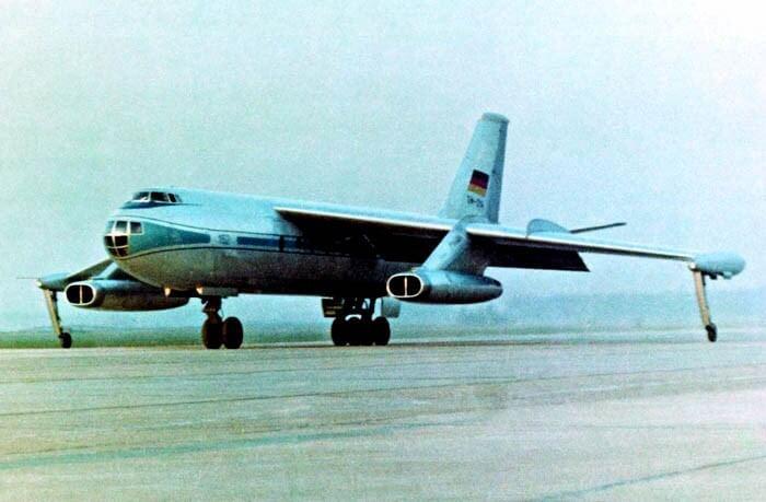 "Flight Manual for the VEB 152 ""Baade"""
